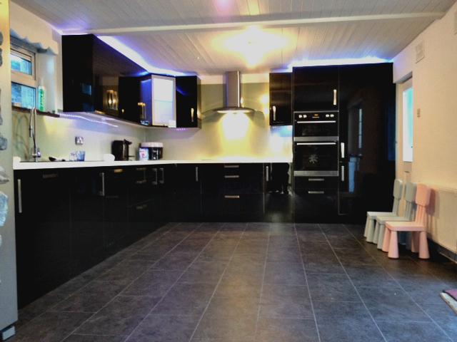Amazing Kitchen Enviroclad Hygienic Pvc Cladding