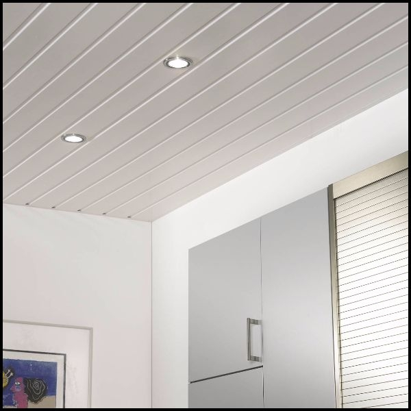Ridged white ceiling and Gloss white walls