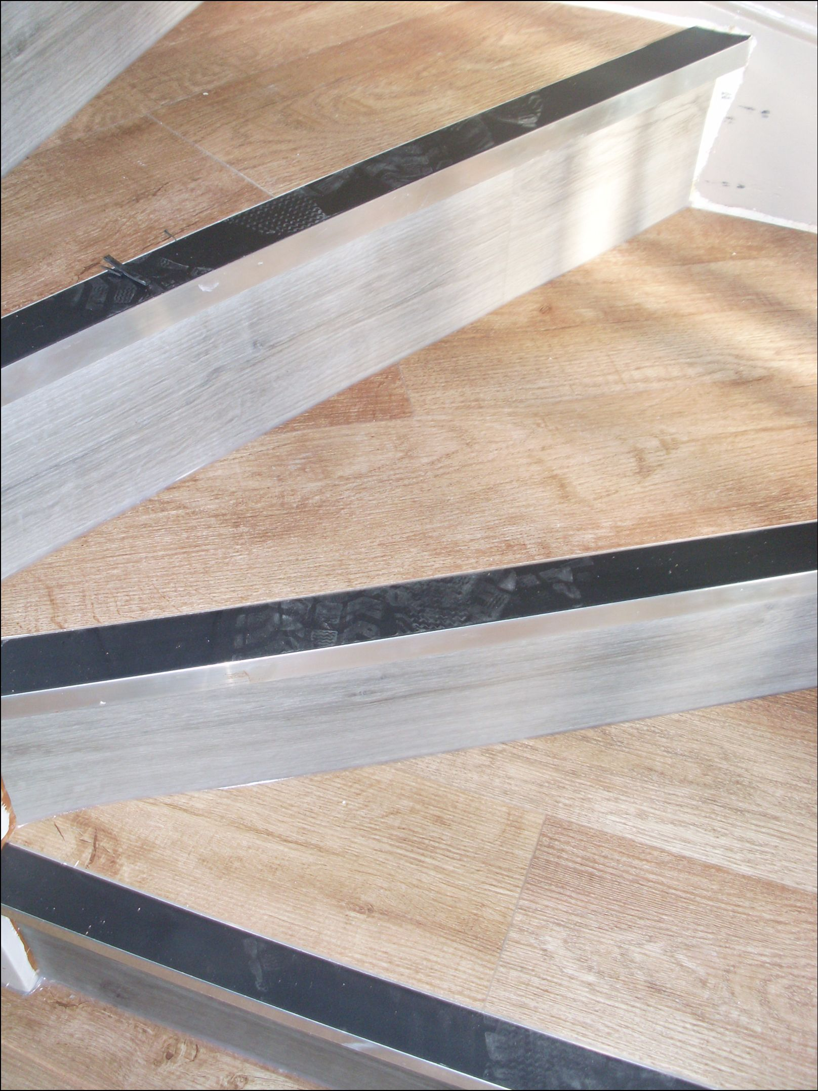 click flooring and stairs (6)